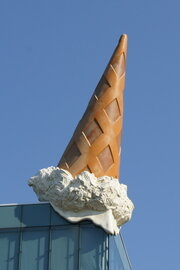 Claes Oldenburg: Dropped Cone, 2001. Foto: jvf, Lizenz: CC BY-SA 4.0
